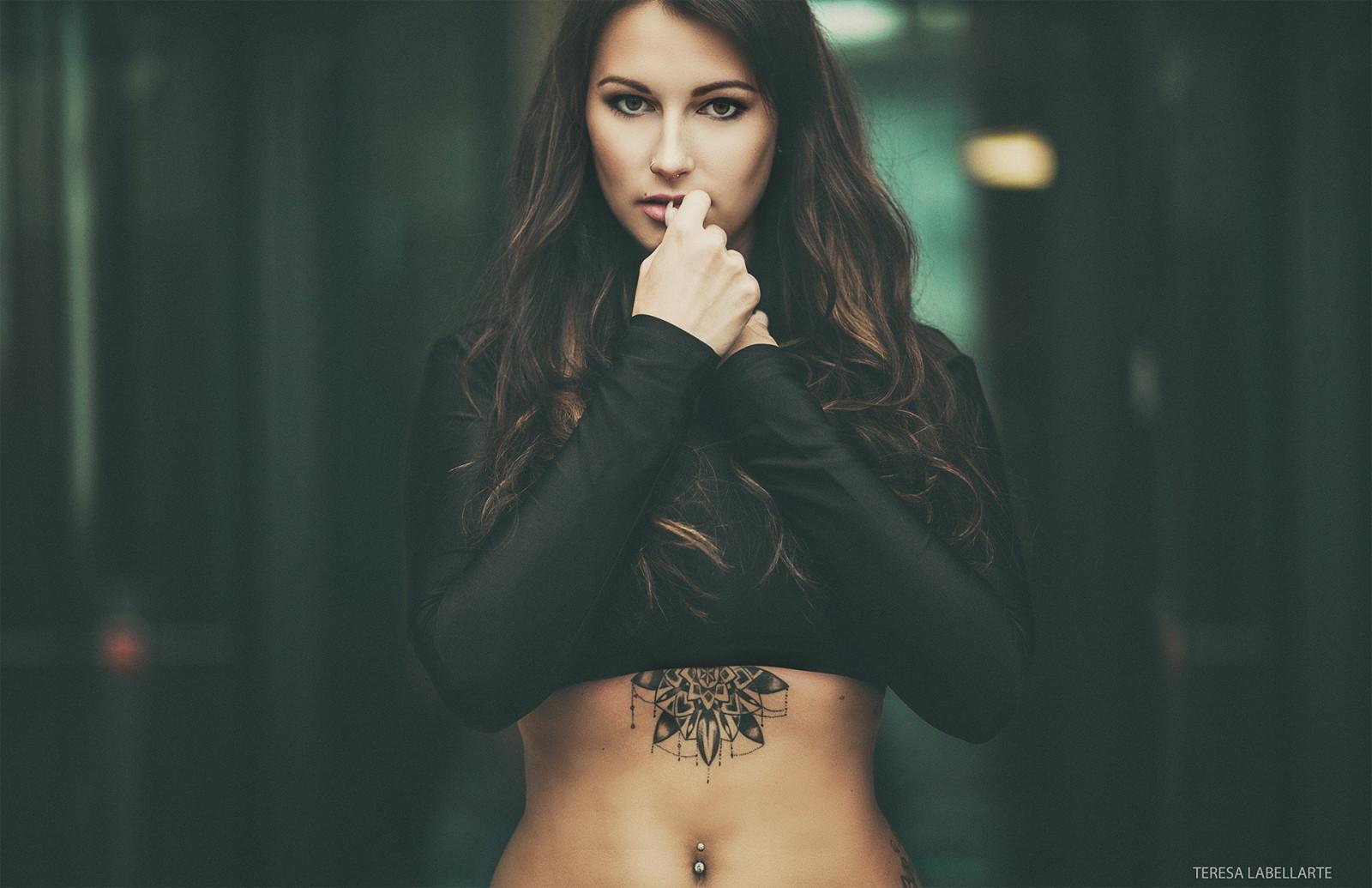 fond d u0026 39  u00e9cran   femmes  maquette  cheveux longs  brunette  la photographie  chanteur  tatouage
