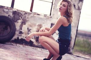 Wallpaper Women Blonde Dress Tattoo Squatting High