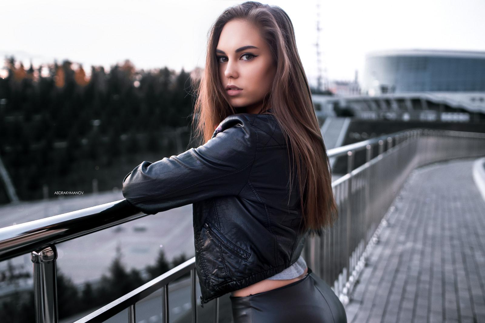 women portrait leather jackets women outdoors