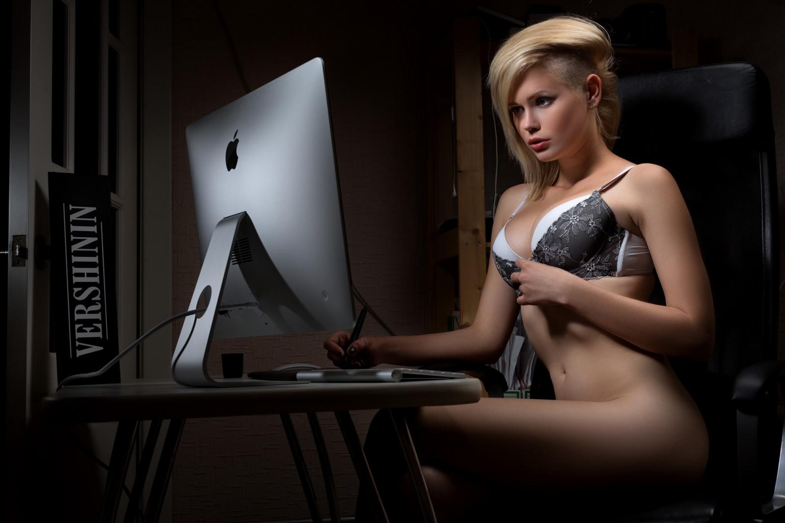 что поделать эротические обои для ноутбука надоели неумехи, которые