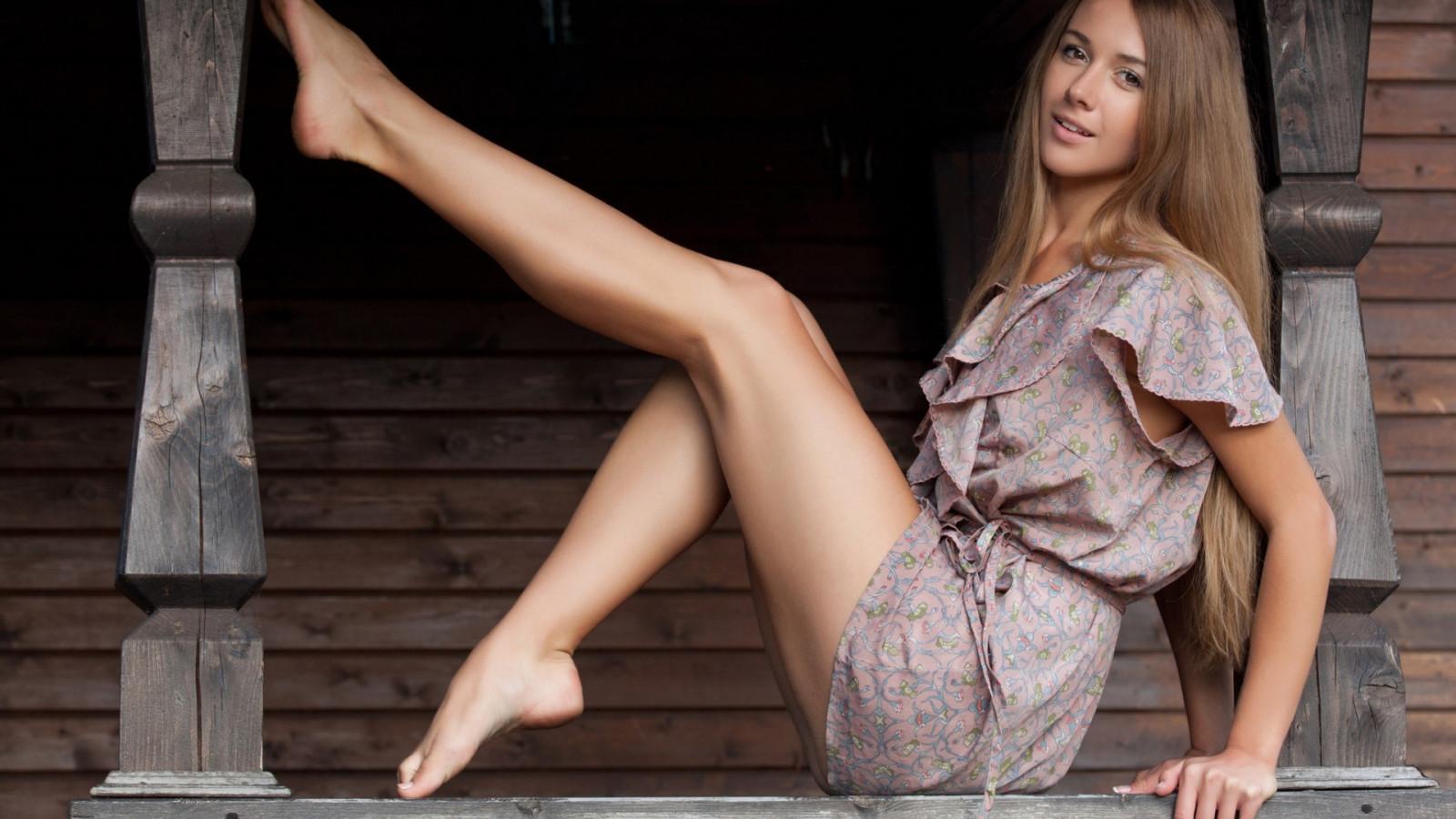 Wallpaper  Blonde, Long Hair, Barefoot, Sitting, Dress -3103
