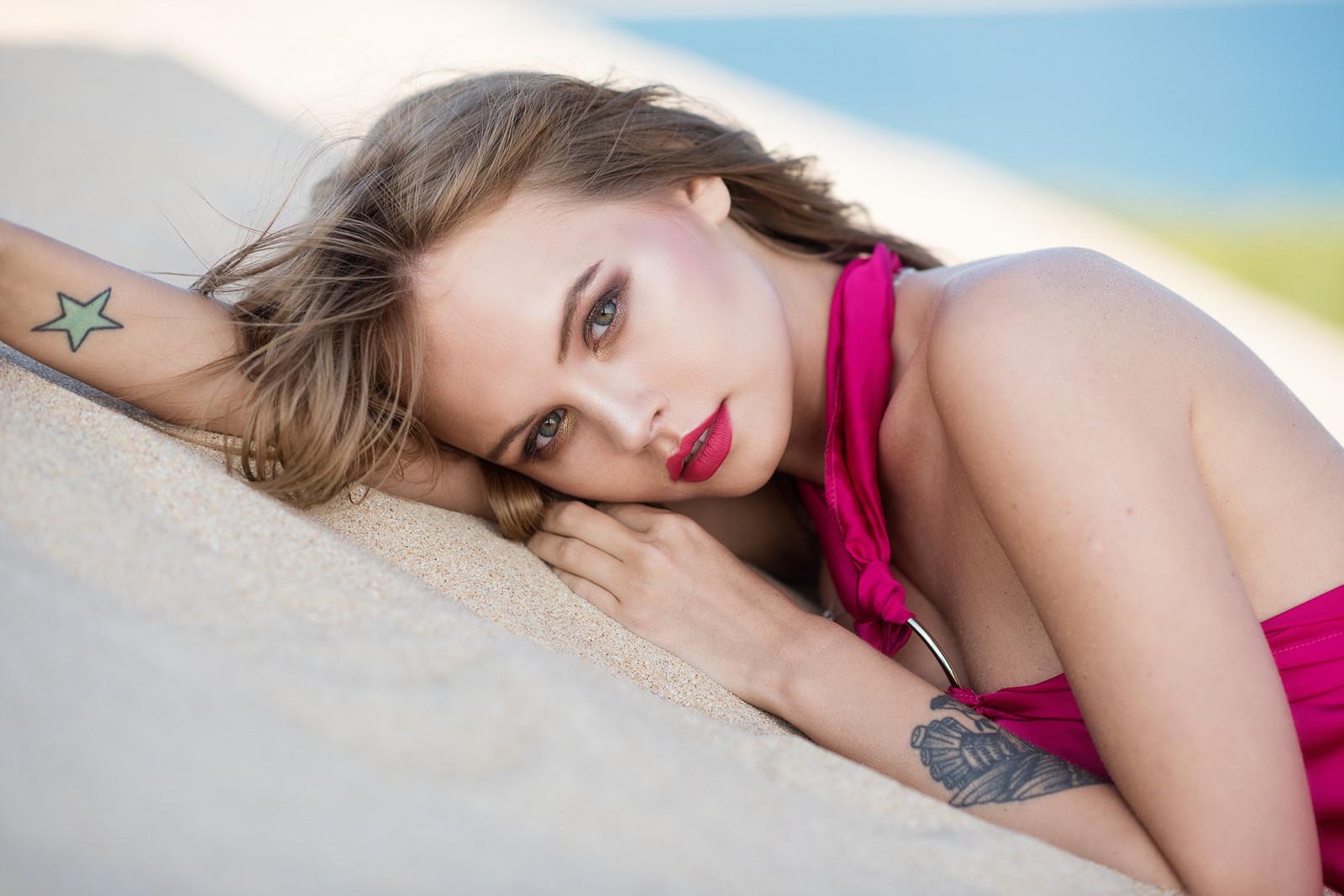 women, Anastasia Scheglova, blonde, tattoo, portrait, brunette