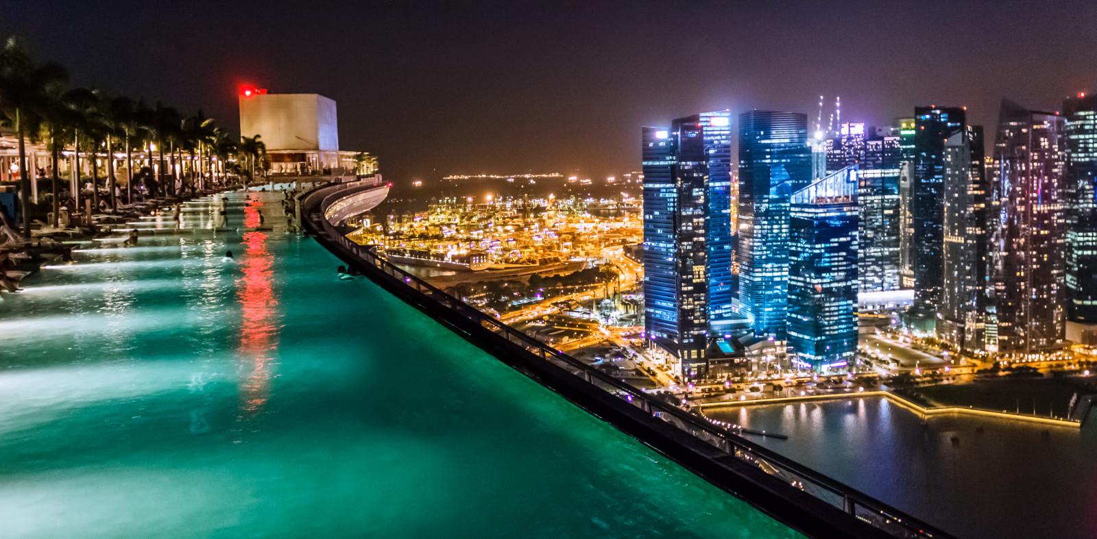 Sfondi cielo piscina nuoto hotel alto singapore for Piscina singapore