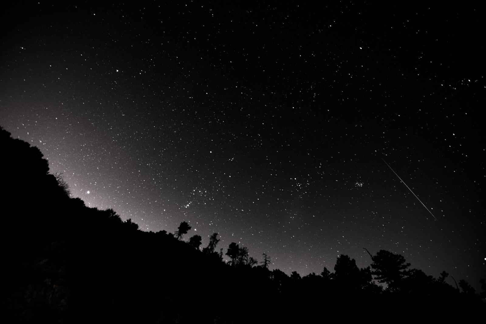 Fond d'écran : paysage, Montagnes, des arbres, nuit étoilée, étoiles 6000x4000 - Sam50 - 1222278 ...