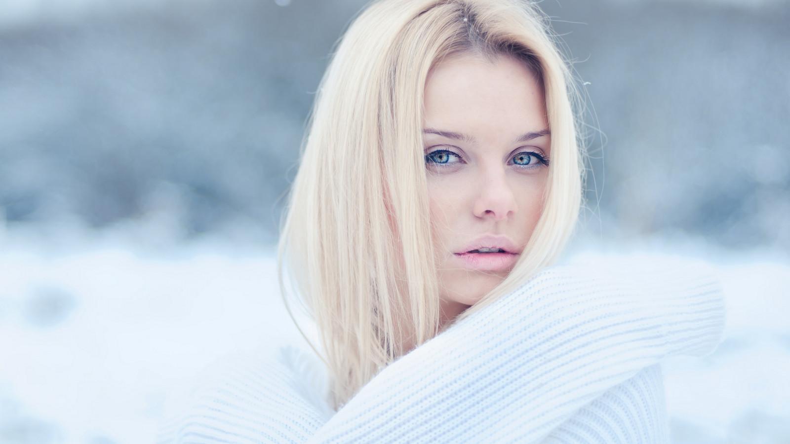 Wallpaper Face Model Blonde Long Hair Blue Eyes: Wallpaper : Face, Women, Model, Long Hair, Looking At