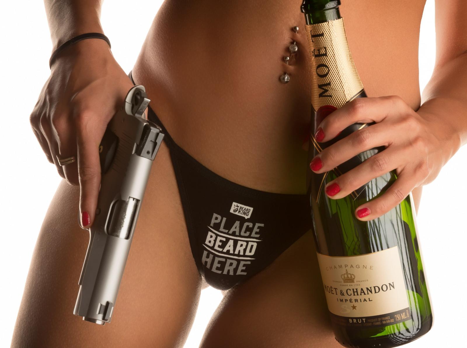 порно девушка и бутылка видео боритесь право