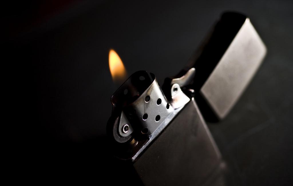 Black Dark Smoking Cigarettes Macro Fire Nikon Bokeh Lighter Heat Zippo Light Nikkor Macromonday Micro Dof