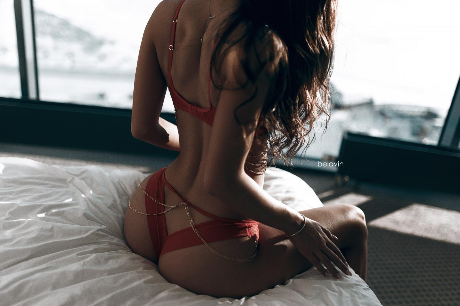erotichnie-foto-shatenki-so-spini