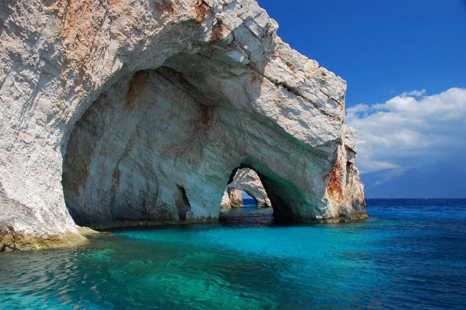 остров в австралии фото пещера
