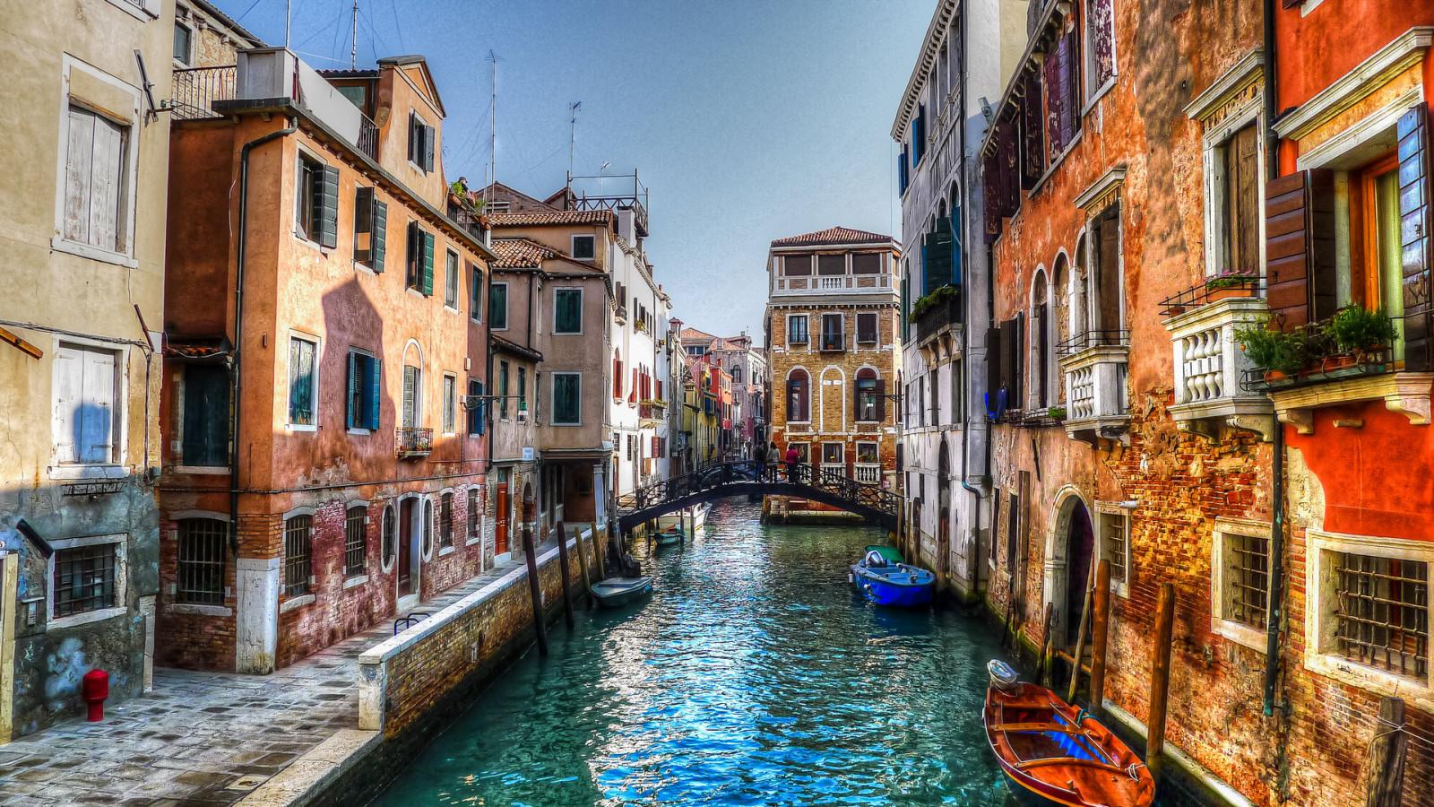 Fond d'écran : fenêtre, ville, rue, Italie, eau, bâtiment, réflexion, ciel, Venise, canal ...