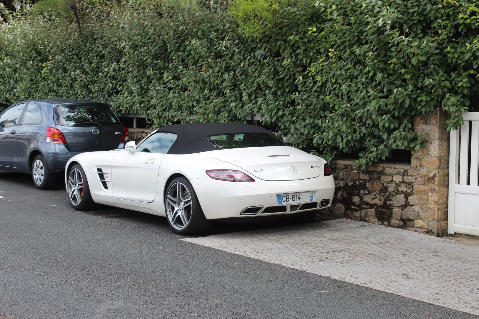 Wallpaper : white, street, road, supercars, Mercedes Benz ...