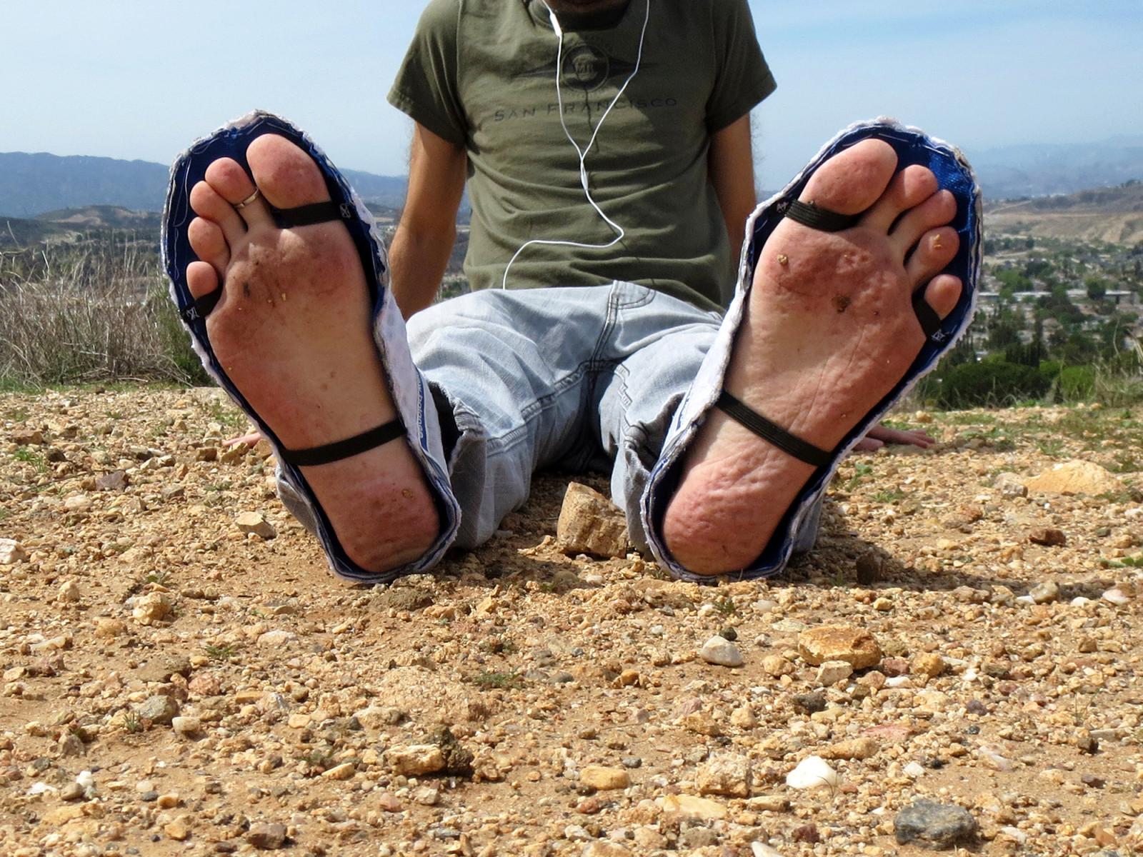 босые мужские ноги - 1