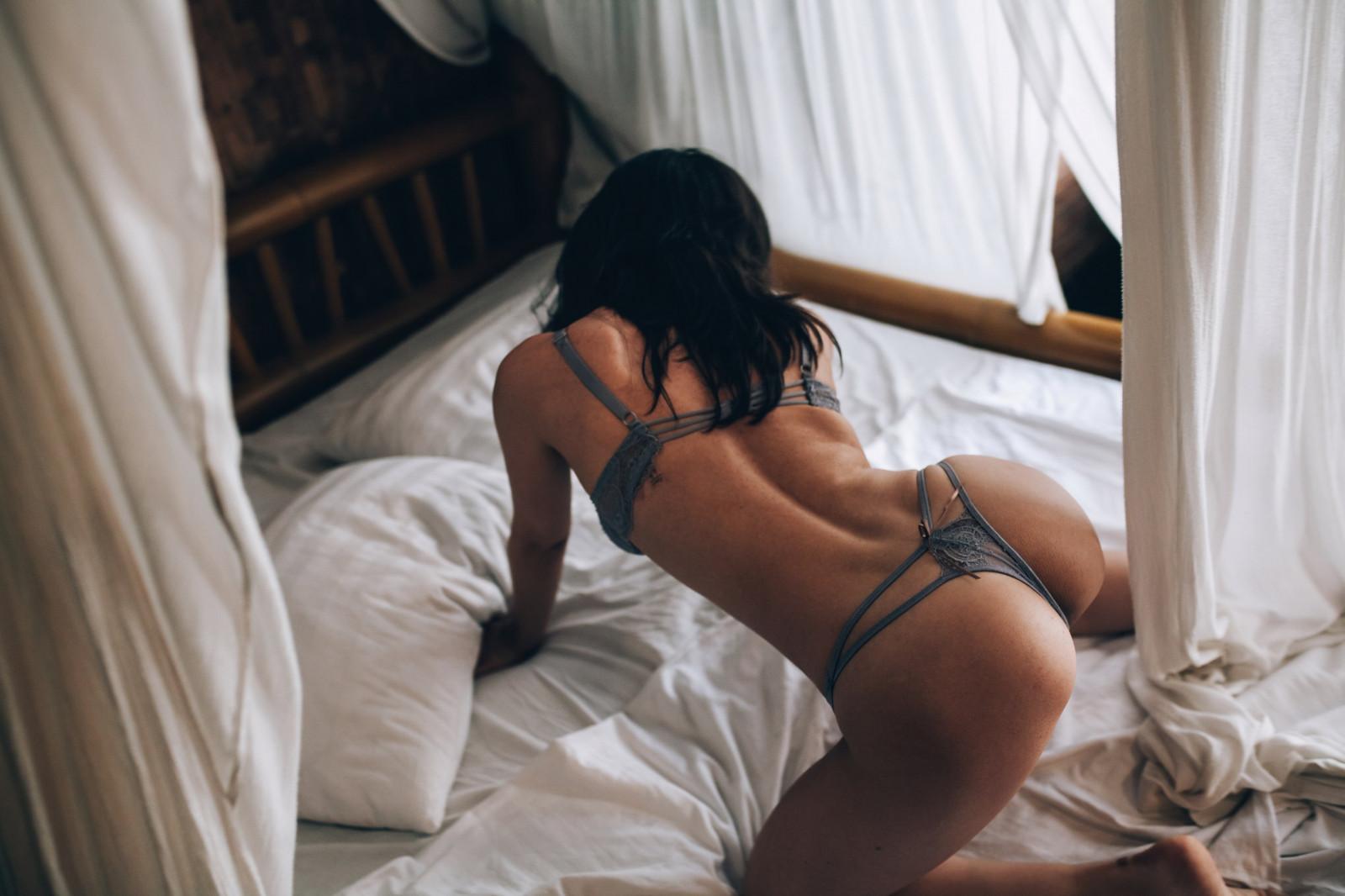 домашнее любительское фото голых женщин в позе раком