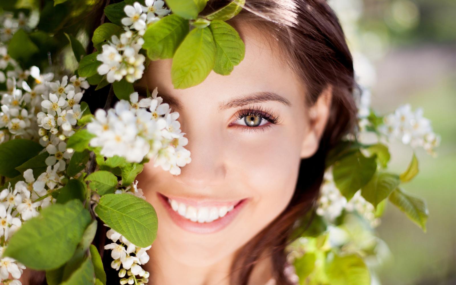 Fond d'écran : visage, femmes, la photographie, vert, fleur, printemps, peau, tête, fille ...