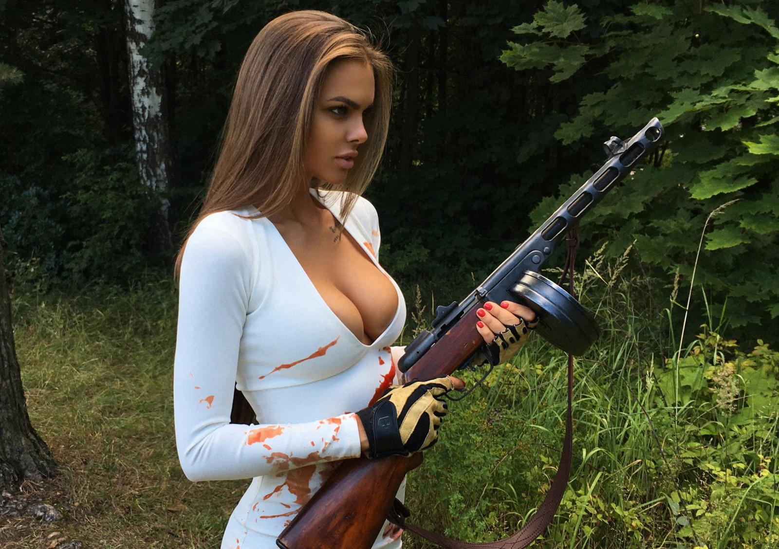 https://c.wallhere.com/photos/e9/ab/Viki_Odintcova_boobs_blood_women_model_PPSh_41_girls_with_guns-274272.jpg!d