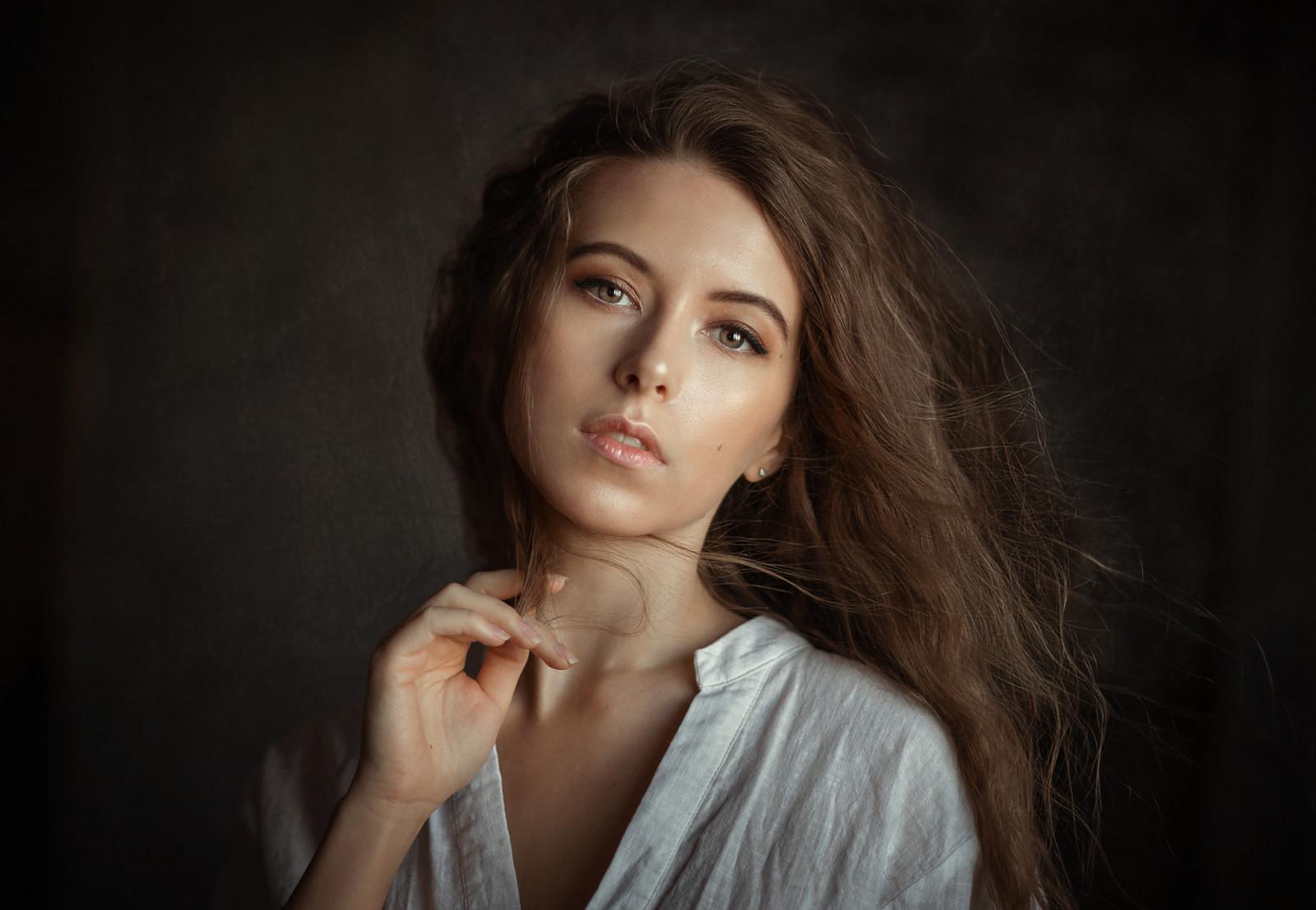 Hintergrundbilder : Frau, Modell-, Brünette, lange Haare
