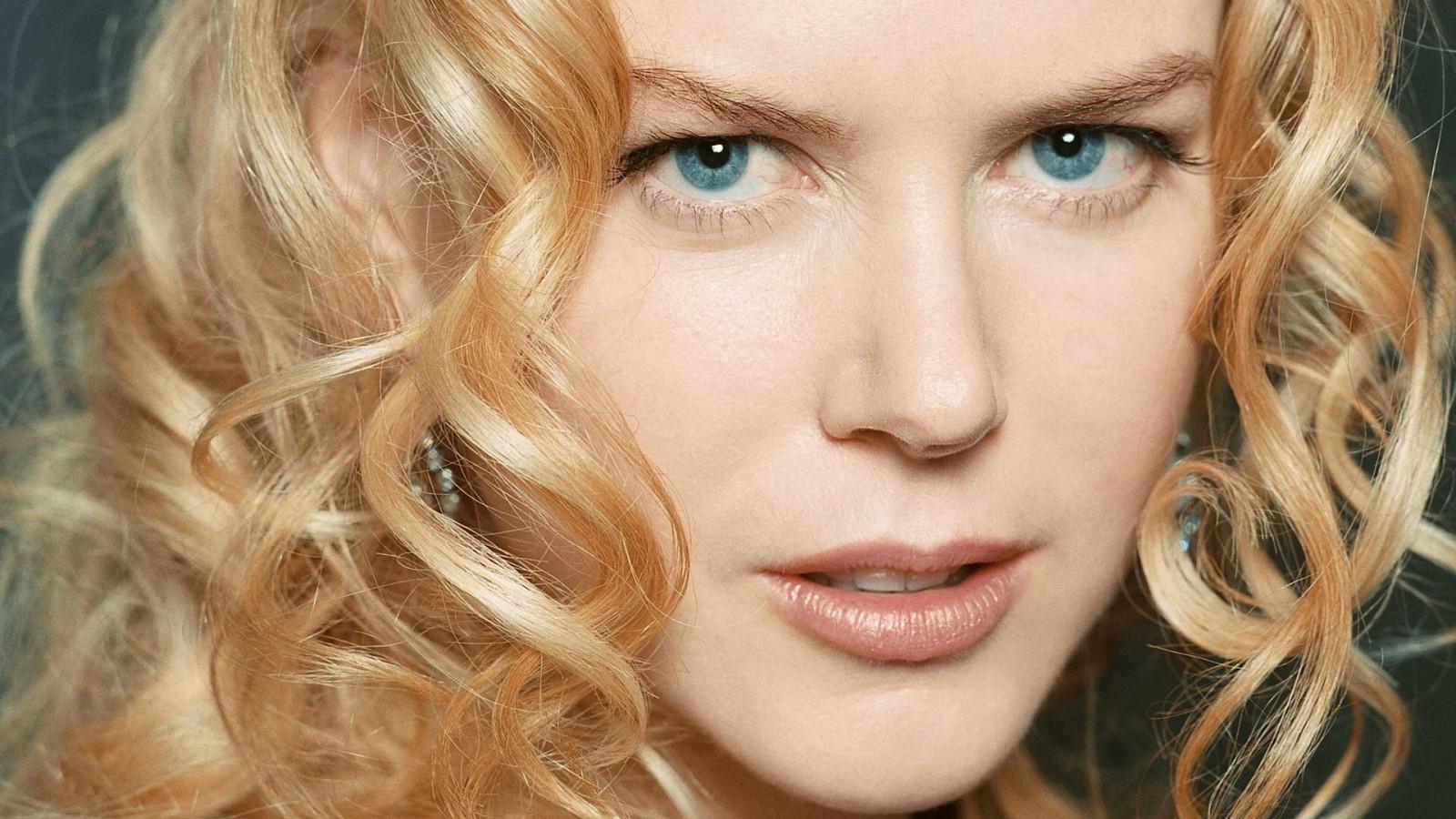 Women Blonde Blue Eyes Long Hair Wavy Hair Portrait: Wallpaper : Face, Women, Model, Long Hair, Blue Eyes