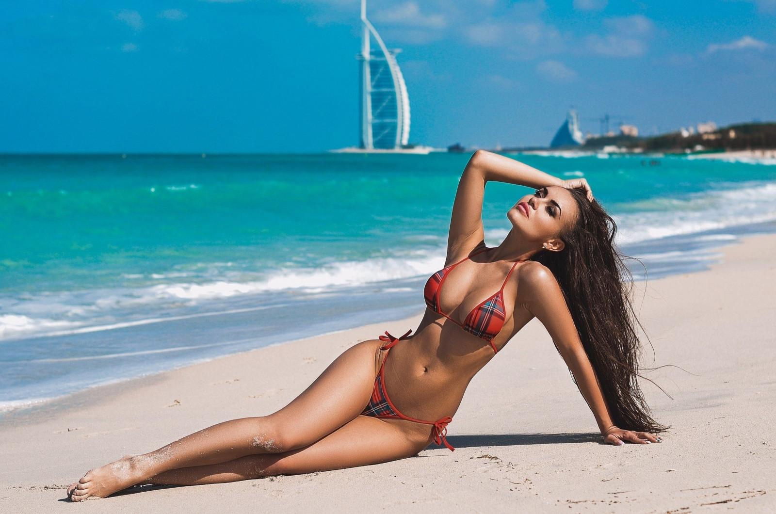 пляж и девушки фото-тн2