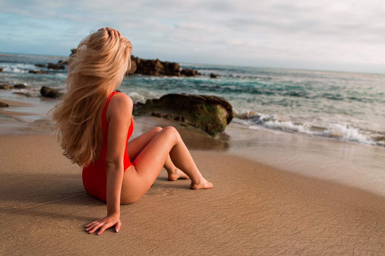 цитировании ссылки новые фото девушек блондинок на море несет
