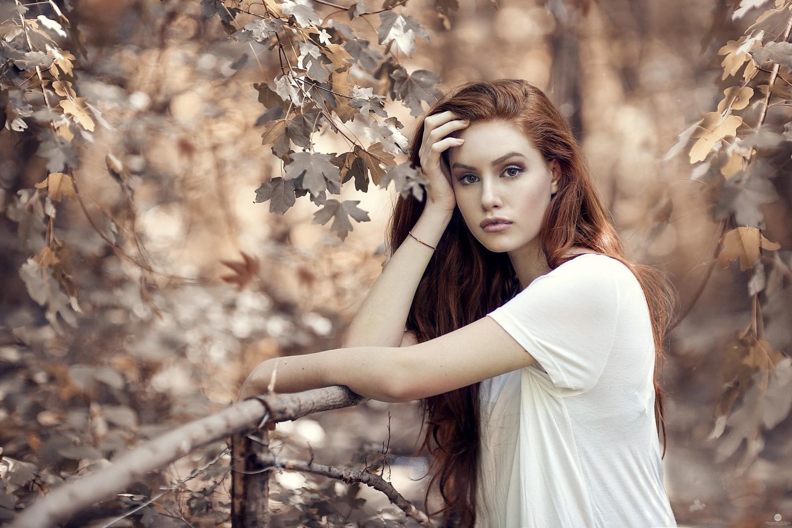 Hintergrundbilder : Gesicht, fallen, Blätter, Frauen im
