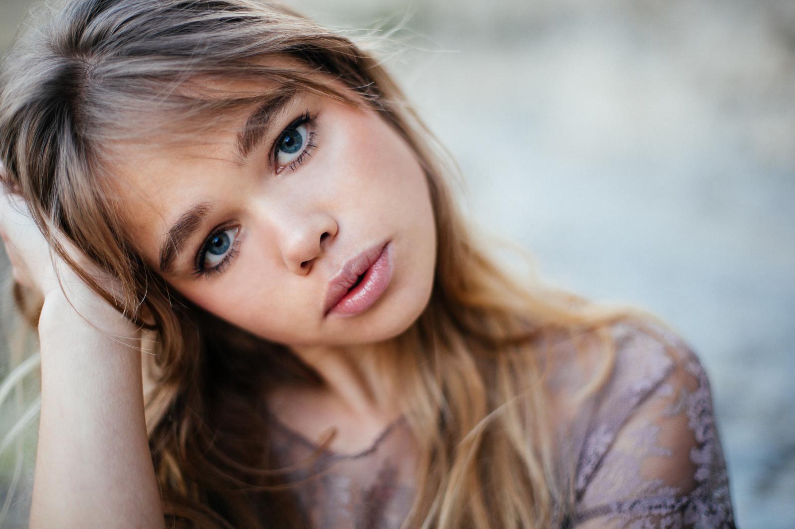 teen-blue-eyed-beauty-video-download