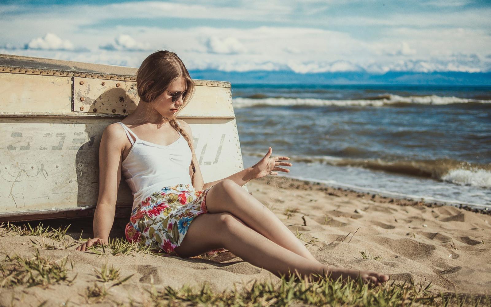 Wallpaper : women outdoors, model, depth of field, sea