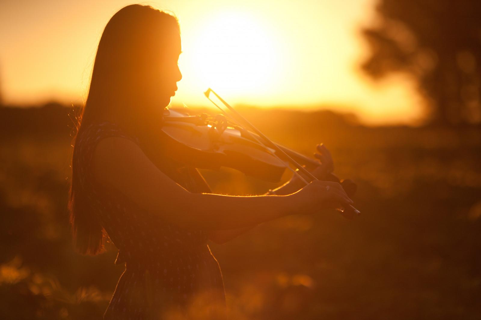 mặt trời Bầu trời bình Minh ánh sáng Ánh sáng mặt trời buổi sáng nhiếp ảnh tối không khí Đèn nền Hoàng hôn Bình minh con gái phong cảnh stock photography