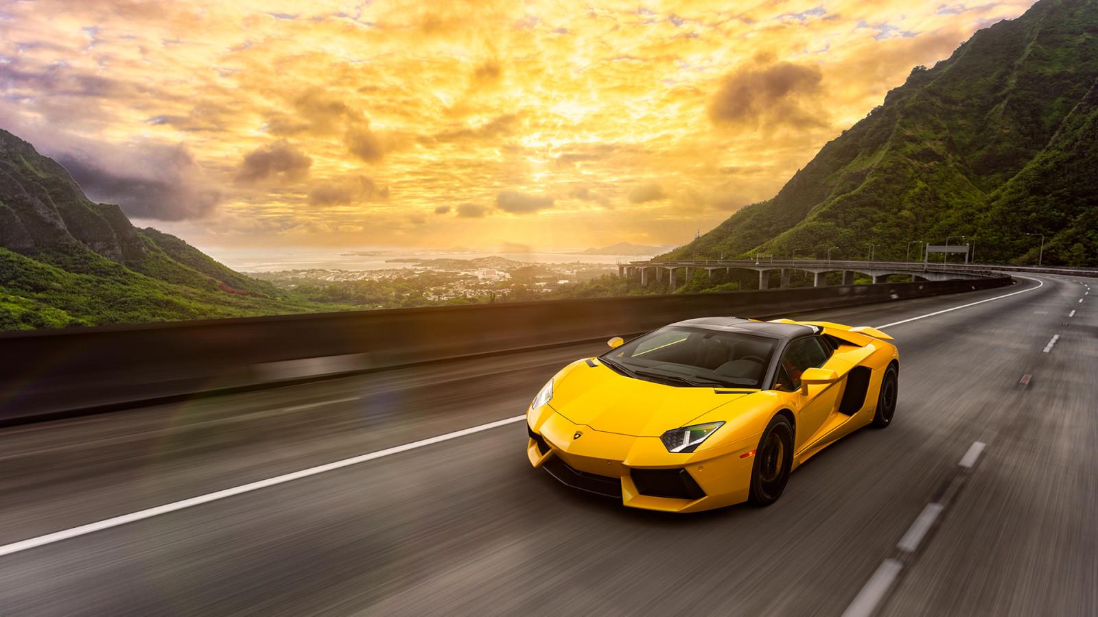 Wallpaper Mobil Sport Lamborghini Hd