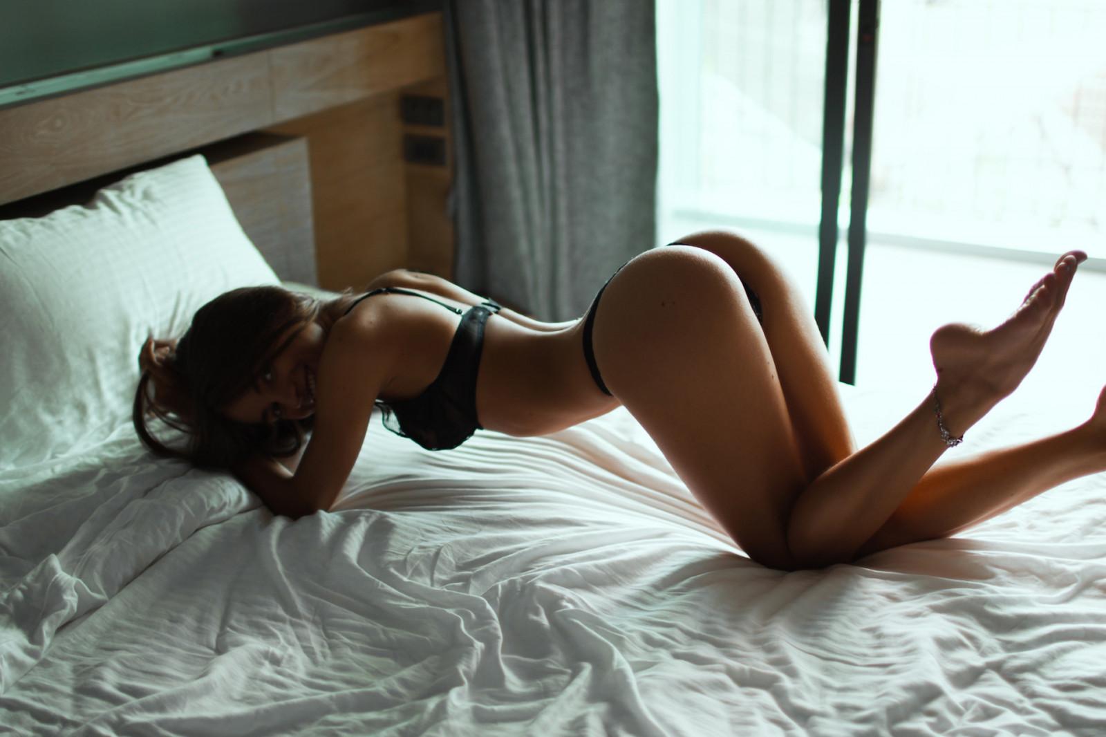 жене фото загорелых в постели нас был большой
