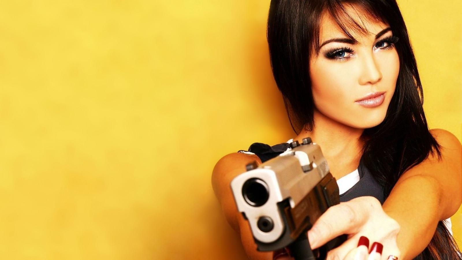 Сейф можно чем опасна красивая девушка сожалению
