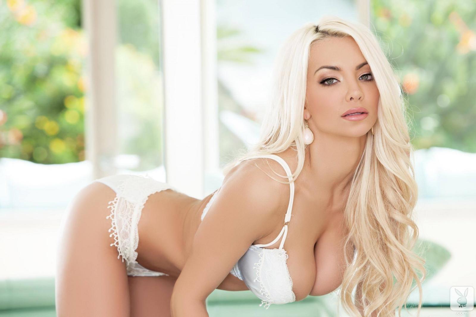 Порно блондинок в фул нд делают