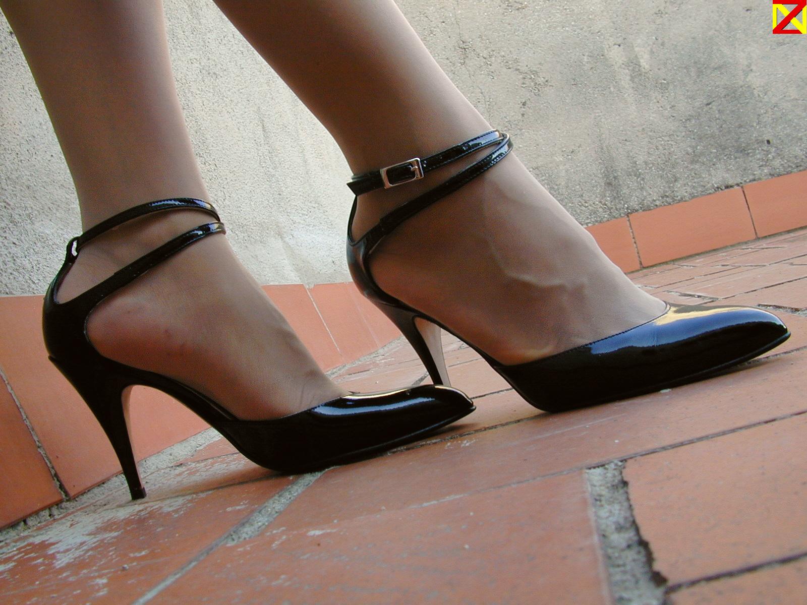 f339c43457ba Fondos de pantalla : negro, pantys, Medias, Pies, España, Zapatos ...