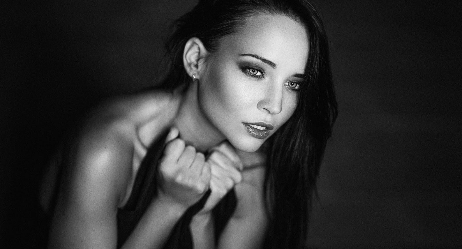Fondos de pantalla : cara, mujer, monocromo, modelo, pelo largo ...