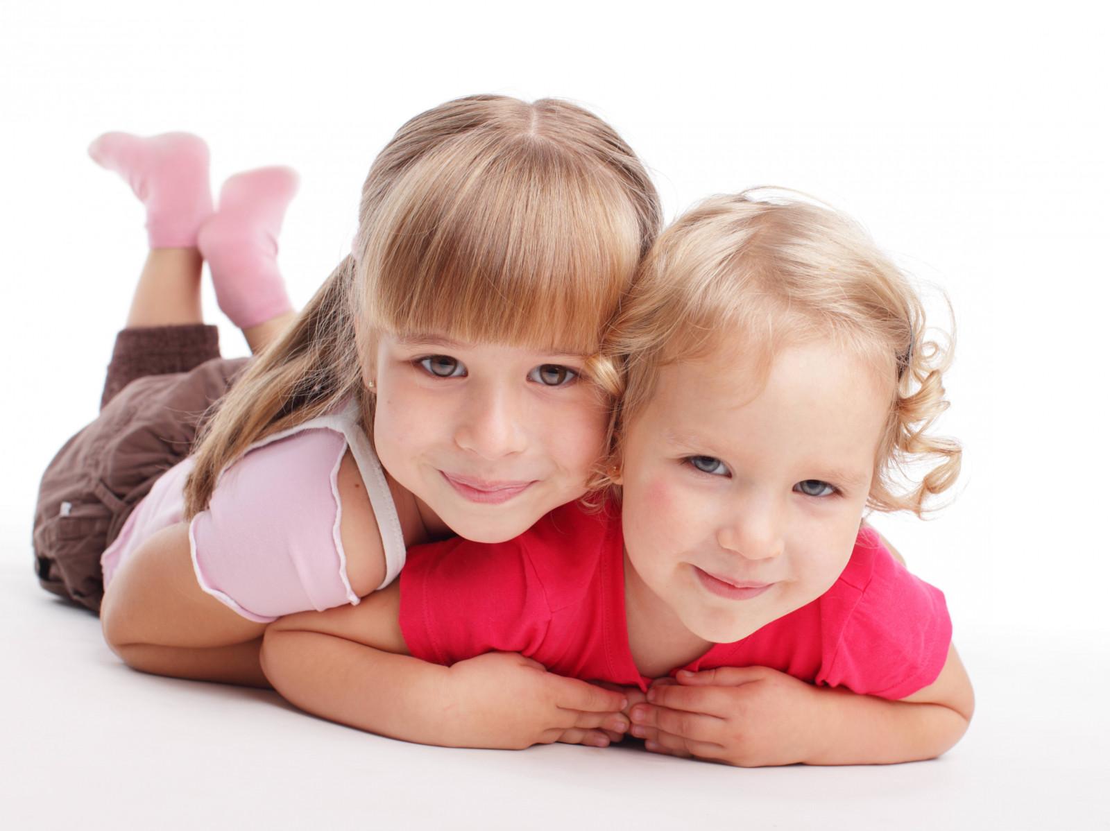 Картинки с сестренками