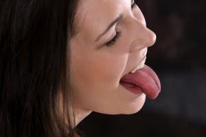 Lesbot alasti ja suudella