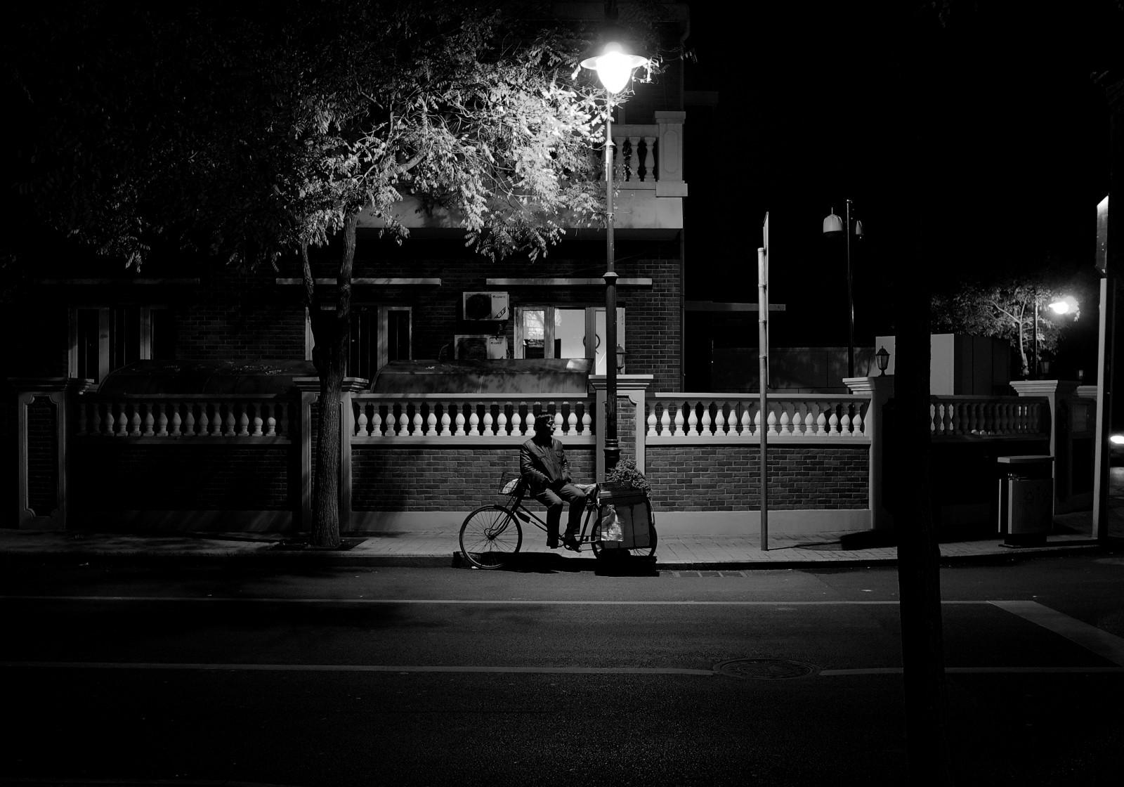 street light white black monochrome city street night road photography infrastructure light bw stories lighting shape photograph darkness snapshot black and white monochrome photography film noir