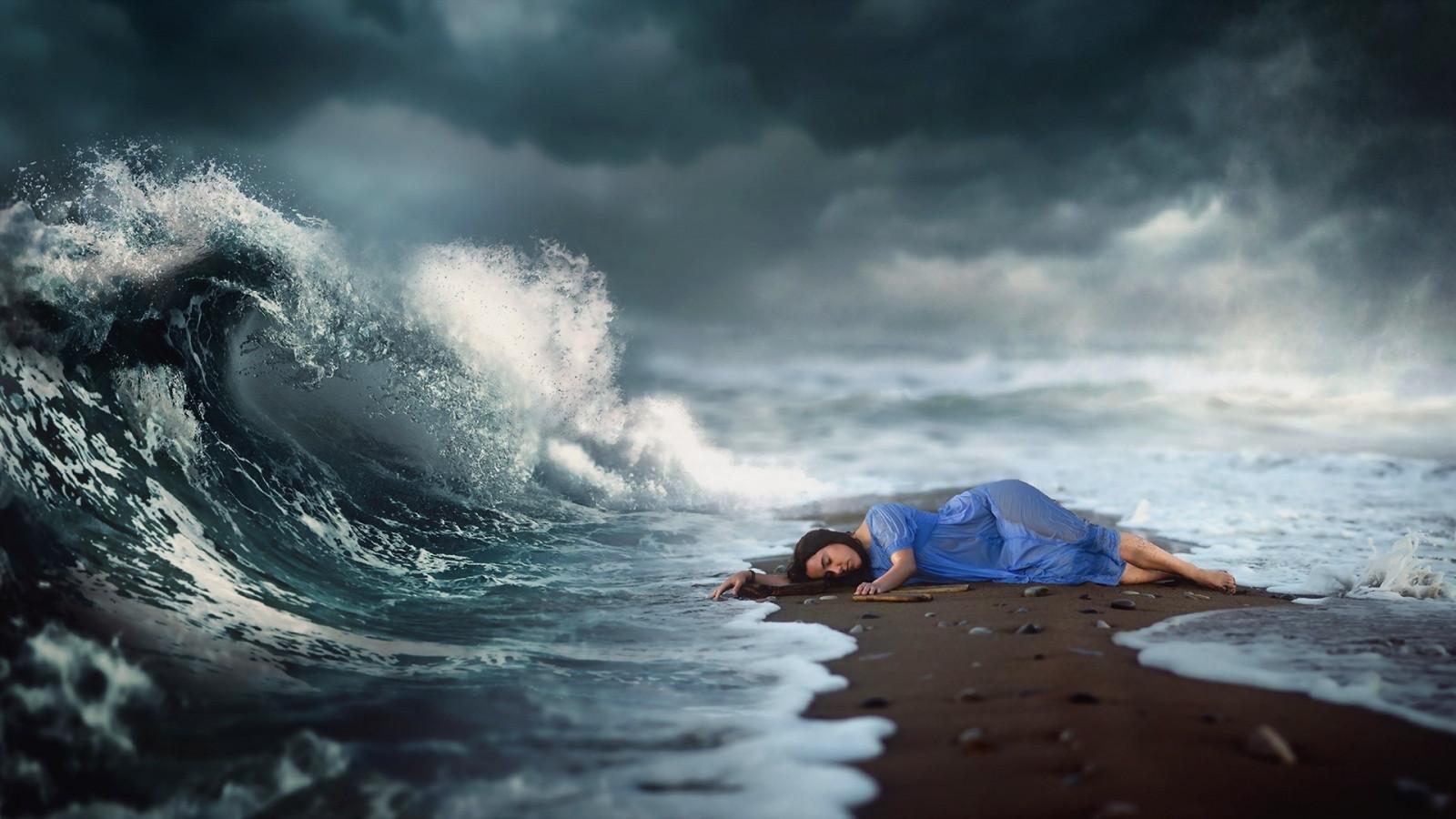 Чаще всего сон, в котором вы видите берег, сулит вам стабильность, прочность и благополучие.