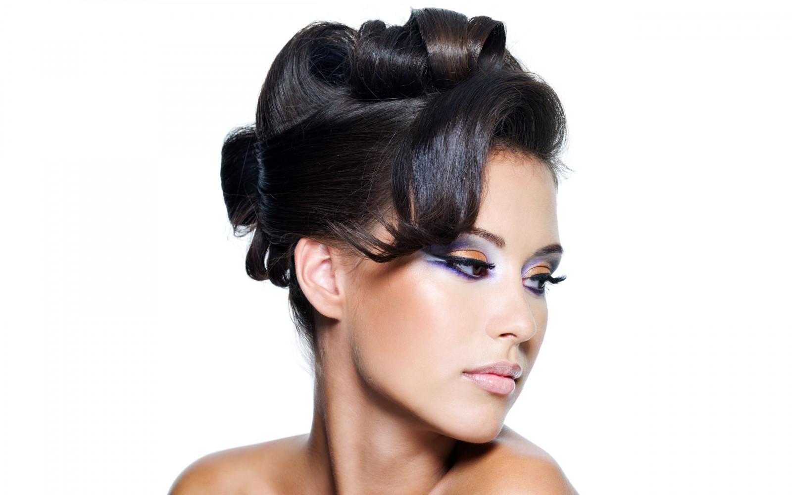 Причёски для брюнеток с длинными волосами фото