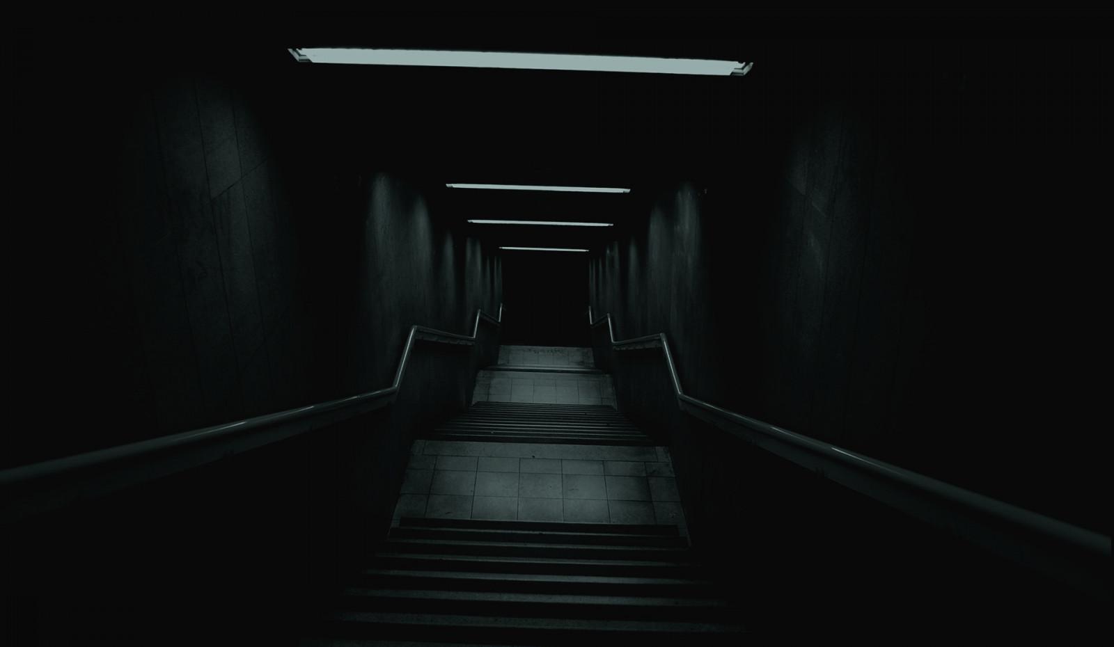 デスクトップ壁紙 モノクロ 対称 ボケ 真夜中 角度 光 闇