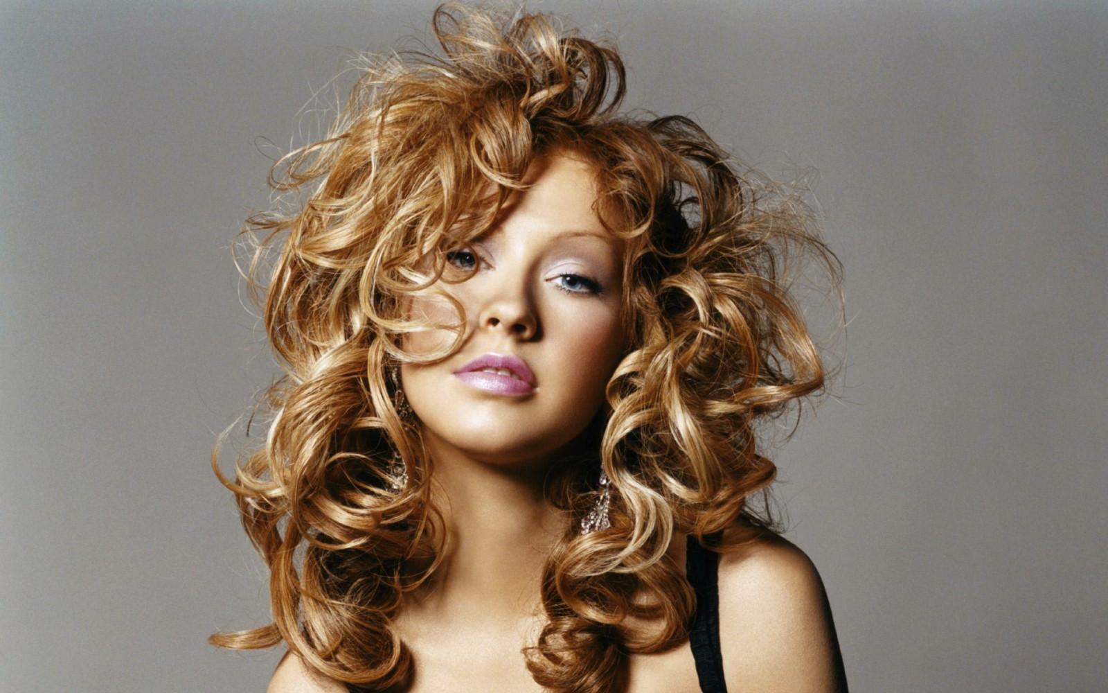 Пышные прически на длинные волосы: фото, как сделать укладку 14