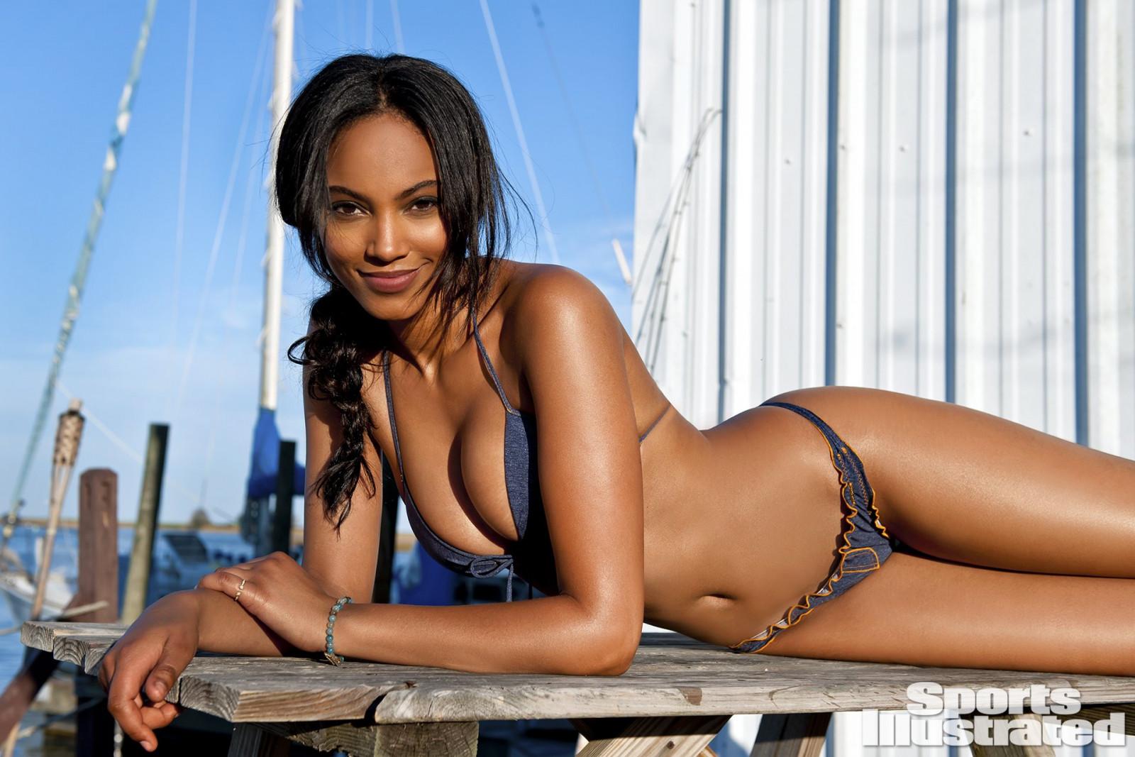 Ebony model pics